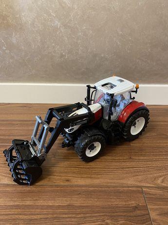 Bruder Трактор детский Steyr