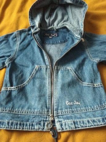 Продам джинсовую курточку рост 110-116