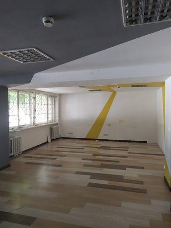 Оренда офісів з санвузлом в середині 50м2 і 70м2 на В. Великого