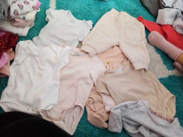 Sprzedam ubrania 62/68/74