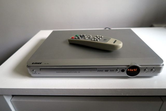 Odtwarzacz CD / DVD / player / czytnik płyt / 100% sprawny / e:MAX