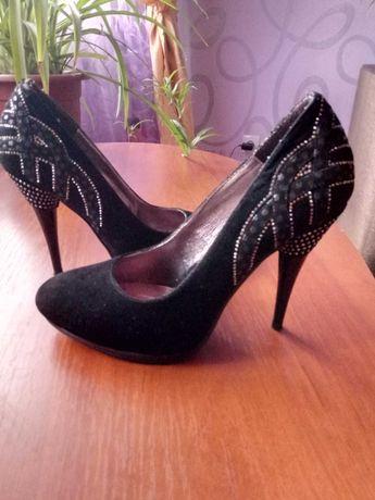 замшевые туфли 36 р