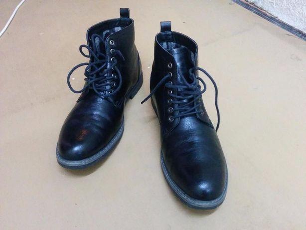 Чорні черевики Elong (44 розмір)