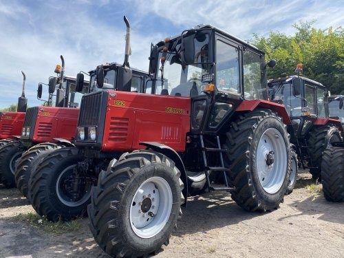 Трактор Беларус МТЗ 82 та 892 та 1025