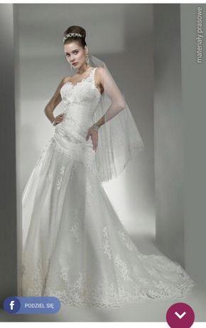 Suknia ślubna Lisa Ferrera Cosmobella