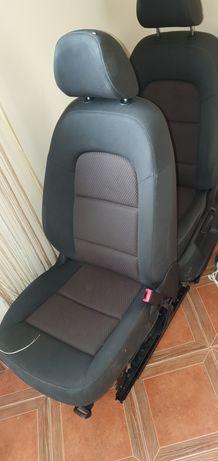 Fotele standard Audi Q5 8R