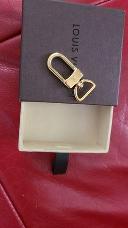 Louis vuitton коробочка и карабин оригинал