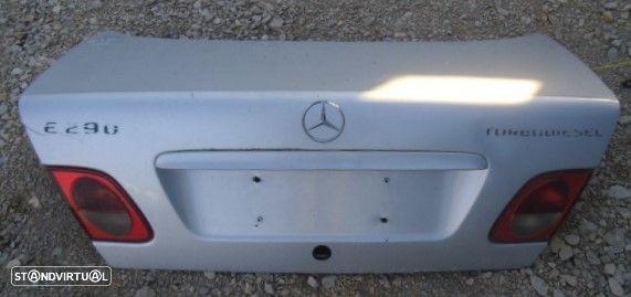 Tampa de Mala Mercedes W210 ano 2000 tpm66