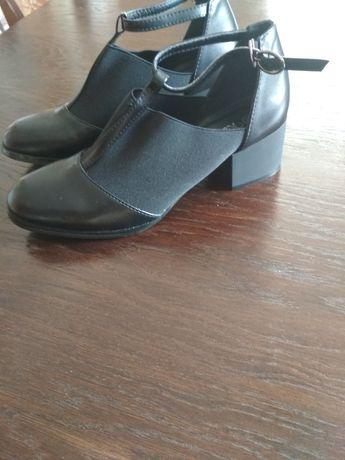 Туфлі,капці,балетки,черевички,ботінки