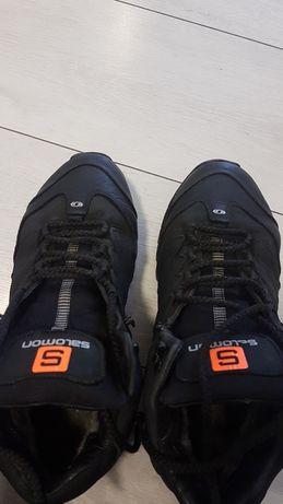 Продам зимние кроссовки 43 р.