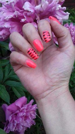 Manicure hybrydowy Zdobienia paznokci