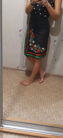 Чёрная юбка вышивка. Юбка с вышивкой. Украинская юбка. Юбка с цветами.