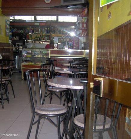 Café  Trespasse em Braga (São José de São Lázaro e São João do Souto),