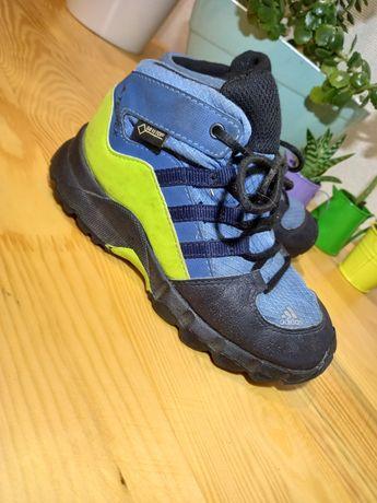 Фирменные детские кроссовки Adidas