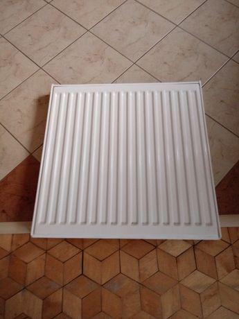 Grzejnik metalowy 60 × 60 cm