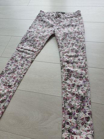 Spodnie jeansy damskie Stradivarius 34