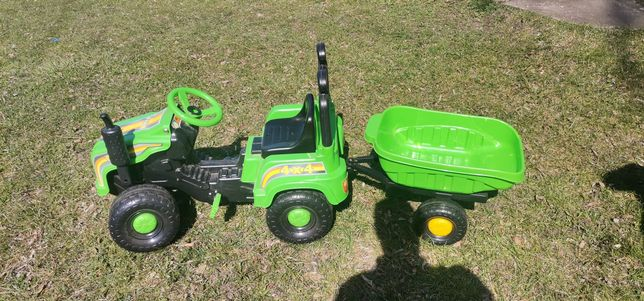 Traktorek na pedały