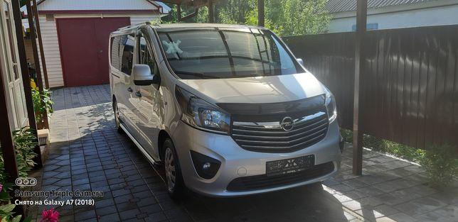 Opel Vivaro ORIGINAL Passenger LONG 2017