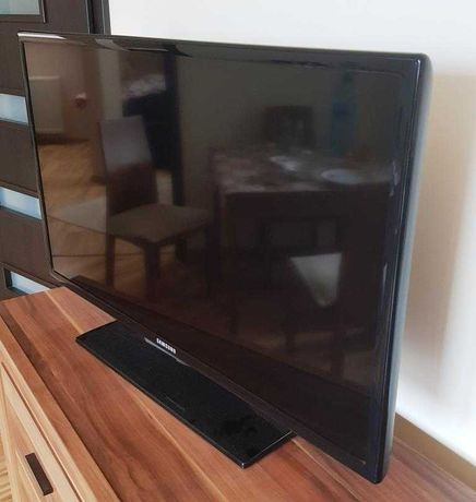 "Telewizor SAMSUNG LED 32""  UE32EH4000"