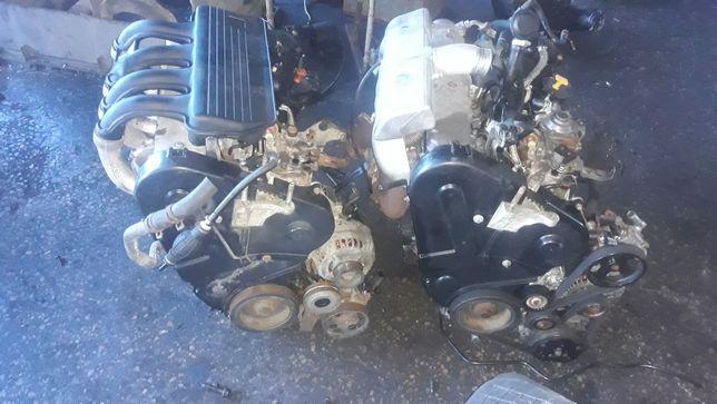 Мотор двигун фіат скудо сітроєн берлінго пежо партнер 1 9 DW8 XUD9