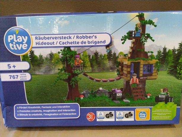 Большой конструктор Убежище разбойников Playtive. 767 дет Lego+