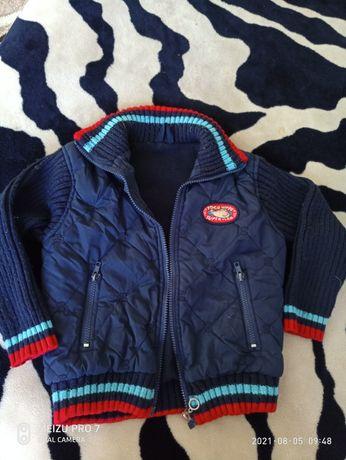 Куртка на мальчика на 4-5лет