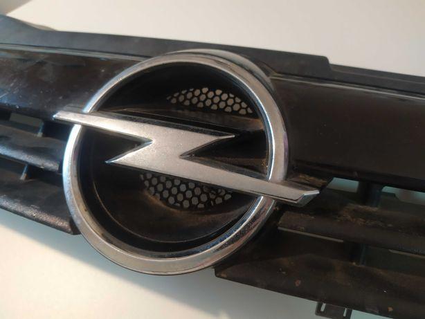 Решетка Opel Astra H