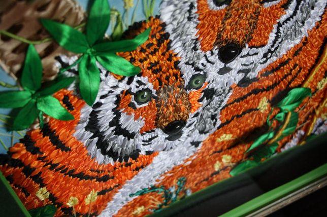 """Картина вышита лентами """"Тигры в Джунглях"""""""