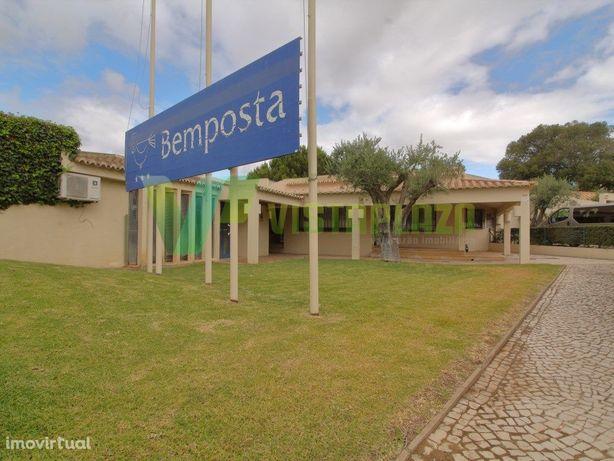 Prédio Destinado a Escritório e Serviços em Bemposta, Por...