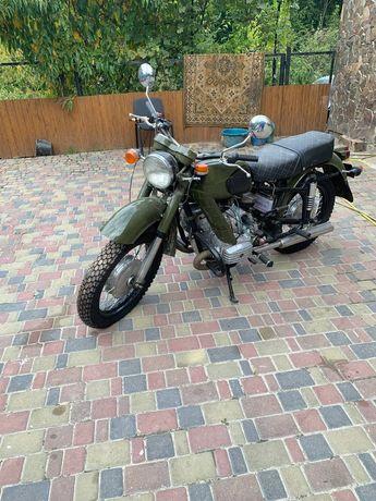 Продам совєтский мотоцикл МТ з каляскою