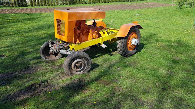 Traktorek SAM 3,2 litra silnik IFA