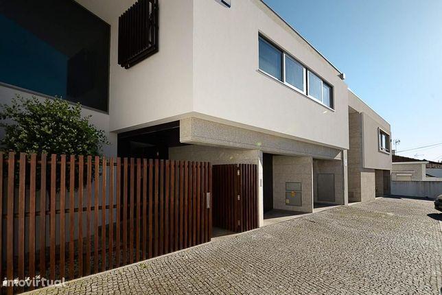 Moradia de luxo em Espinho, com excelente exposição solar