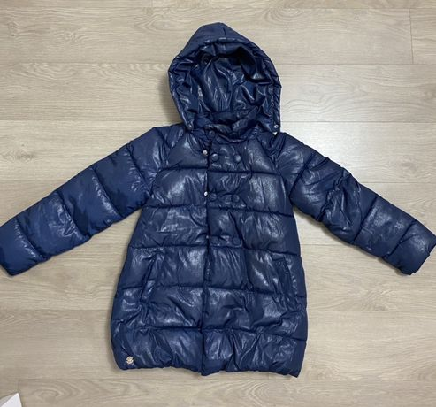 Продам демисезонное пальто в идеальном состоянии