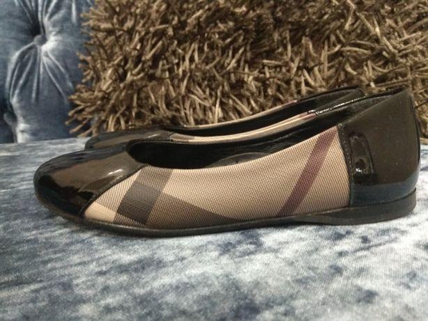 шикарные туфли Burberry, 34 размер, оригинал