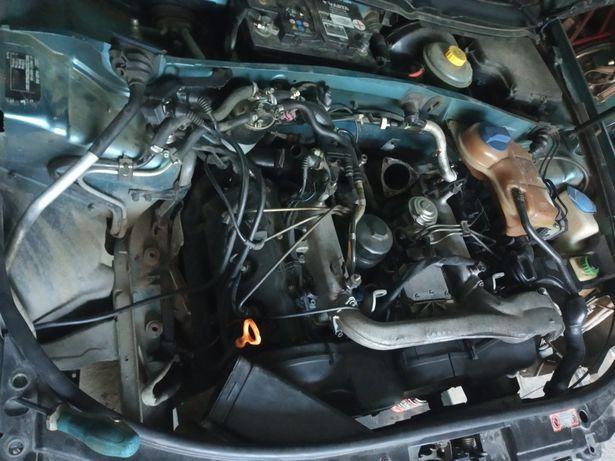 Ауди а6 с5 2.5 тді дверки праві патрубок двигун коробка салон