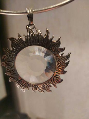 Bizuteria srebrna wisior srebrny słońce z kryształem górskim