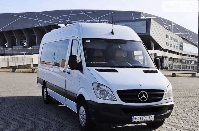 Mercedes benz sprinter 319 пасажир
