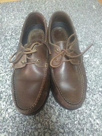 Sapato vela MO 43  muito pouco uso