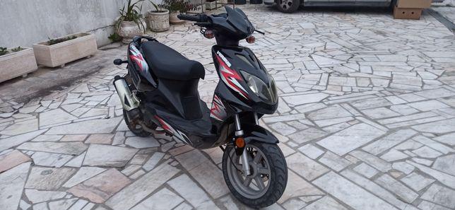 Scooter 50cc Versus