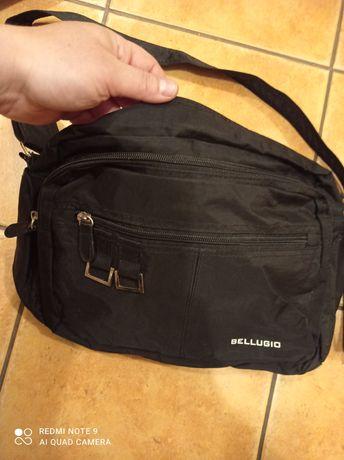 Czarna torebka na ramię Bellugio klasyczna