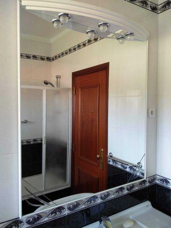Espelho grande com luz para casa de banho