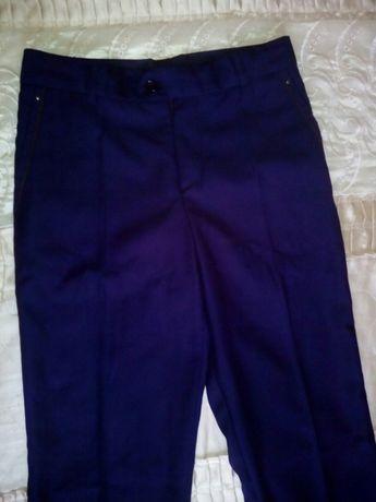 Школьные брюки тёмно-синие р. 44