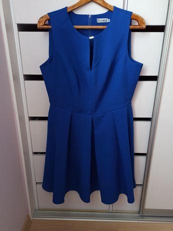 Piekna sukienka 42