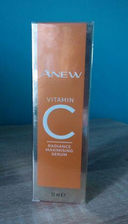 Rozświetlająco-odmładzające serum do twarzy z 10% witaminą C avon