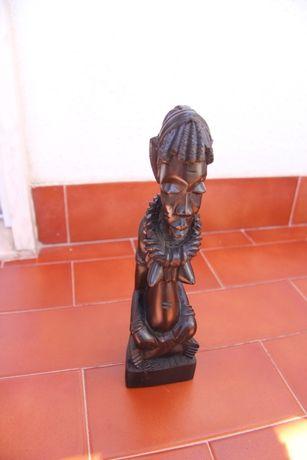 Escultura em Madeira Mulher - África