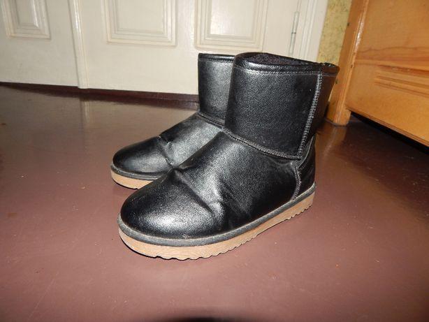 Угги ботинки черные кожаные теплые легкие 38 размер
