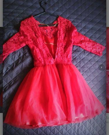 Czerwona sukienka rozmiar XS pięknie wykrojone plecy