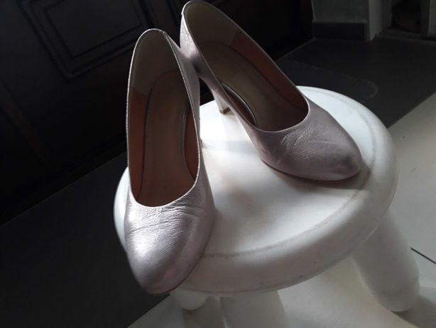 Buty perłowo-różowe, skórzane rozm. 37.5