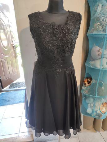Czarna sukienka r. M/L