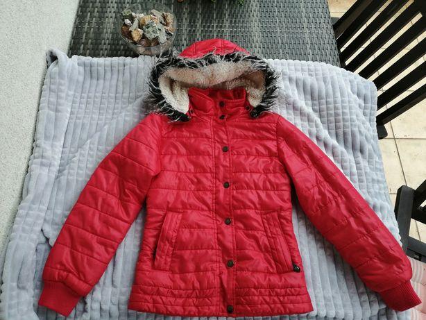 Go Sport jesienno-zimowa kurtka z kapturem